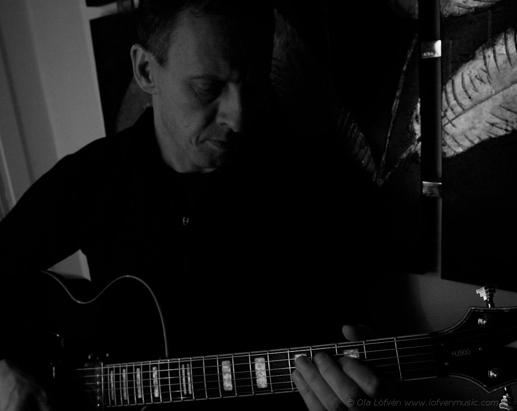 Ola Lofven with Hagstrom HJ-500